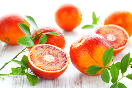 Succo-d'arancia-per-combattere-il-colon-irritabile