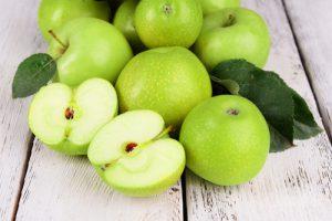mela verde toccasana per l'intestino